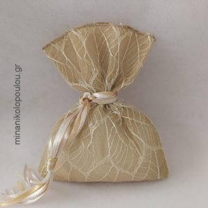 Κωδ. Ρ-400 Μπομπονιέρα Γάμου Πουγκί Αράχνη καμβάς (14x19εκ), 5 κουφέτα, δεμένη με κορδέλες σατέν. Χρώματα: λευκό, εκρού, μπεζ, μόκα, κλπ.Για 50-150 τεμ. 2,40 €/τεμ.