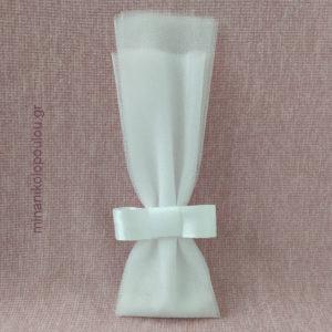 Κωδ. Κ-110 Μπομπονιέρα Γάμου Γαλλικός Φιόγκος, 5 κουφέτα σε 2 τούλια γαλλικά (50εκ). Χρώματα: λευκό, εκρού. Για 50-150 τεμ. 2,10 €/τεμ.